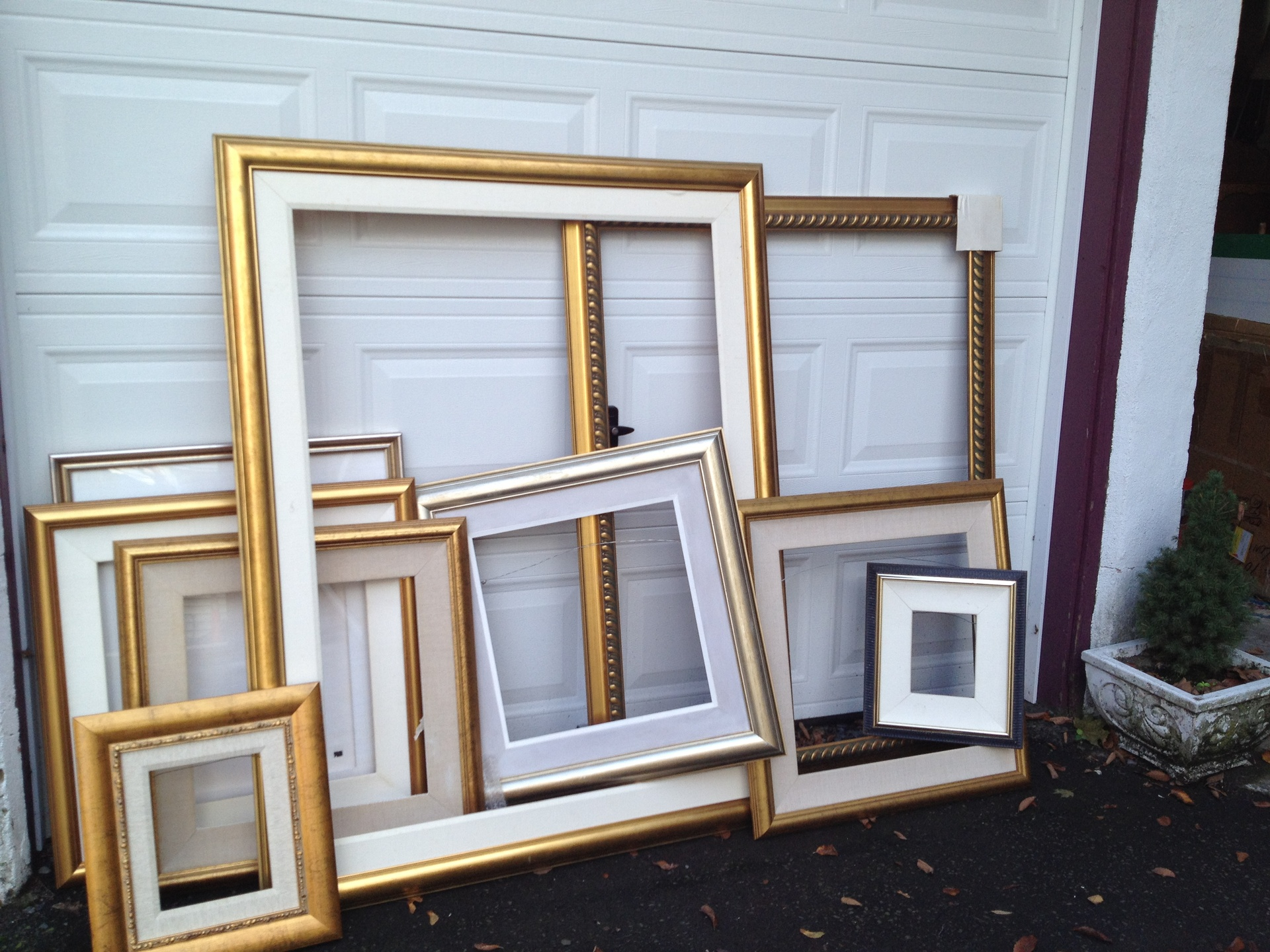 Oodles of Frames